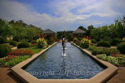 Fountain, Kauffman Gardens. Kansas City, Missouri