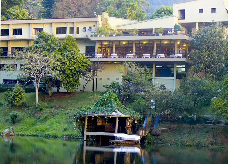 Hunnas Falls hotel. Elkaduwa