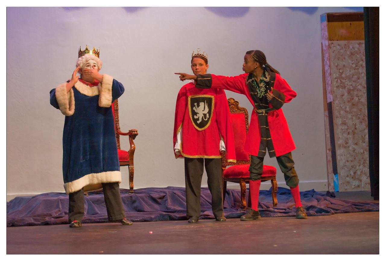 Castilleja Pantomime 1/ 350s, at f/2.8 || E.Comp:-3 / 6 || 102mm || WB: AUTO 0. || ISO: 2200 || Tone:  || Sharp:  || Camera: NIKON D300on: 2008:12:06 20:59:27