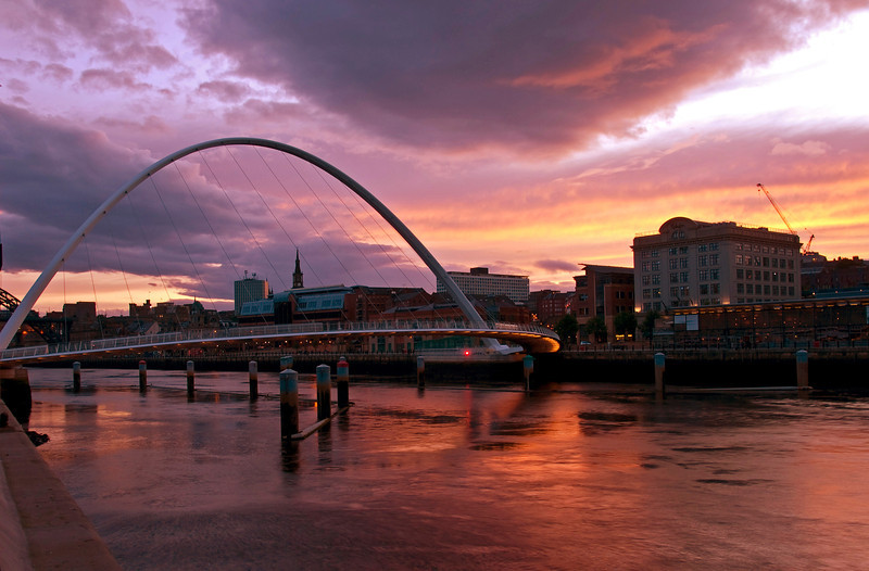 "<font face=""Lucida Calligraphy, comic sans, verdana""><font color=""#e9efb7"">Sunset Over the Tyne"