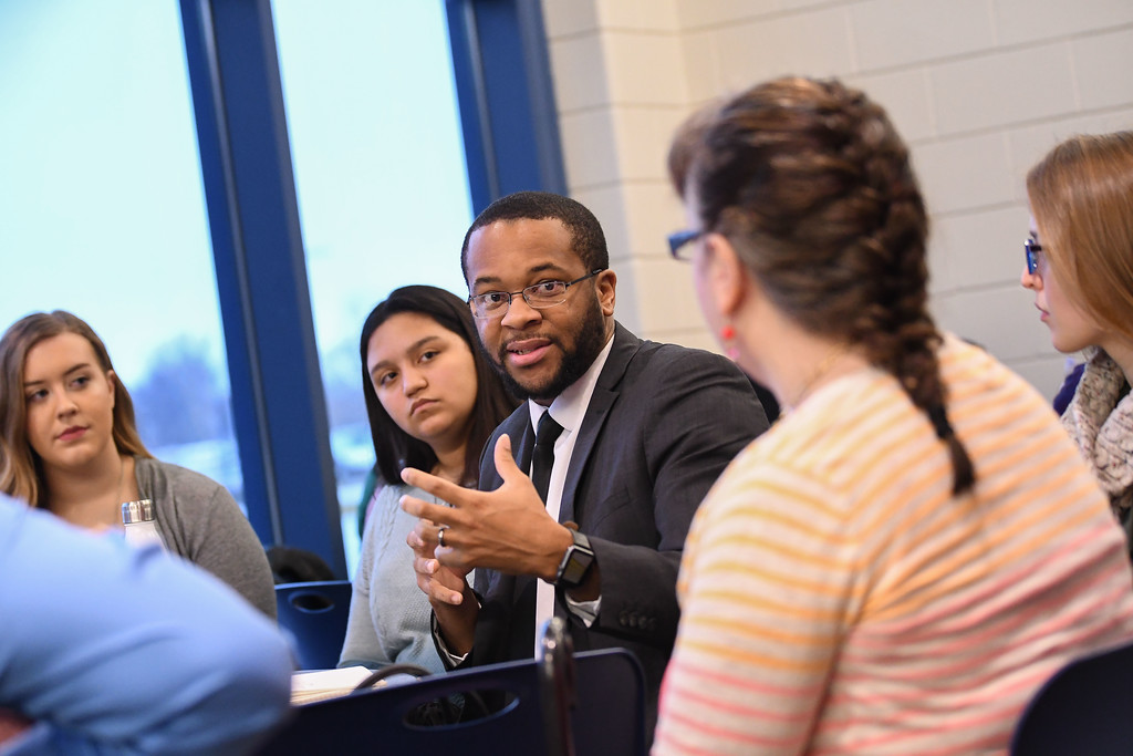 . Eric Bonzar�The Morning Journal<br> Lorain County Urban League President and CEO Frank Whitfield bounces around ideas among the scholars and community leaders of his focus group during Lorain City Schools\' Community Business Schools partnership meeting, Feb. 21, 2018.