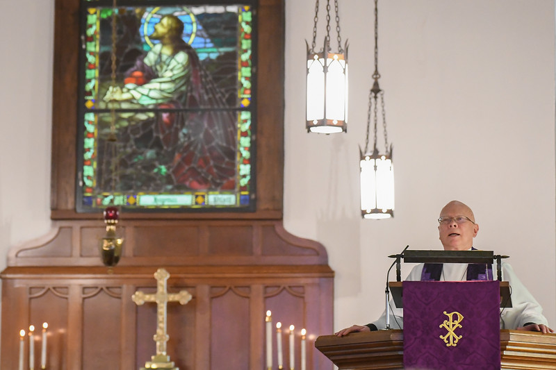 Eric Bonzar—The Morning Journal<br /> Reverend Jimmy Madsen, of the First Evangelical Lutheran Church, conducts a noon, Ash Wednesday service at the Episcopal Church of the Redeemer, 647 Reid Ave., March 1, 2017.