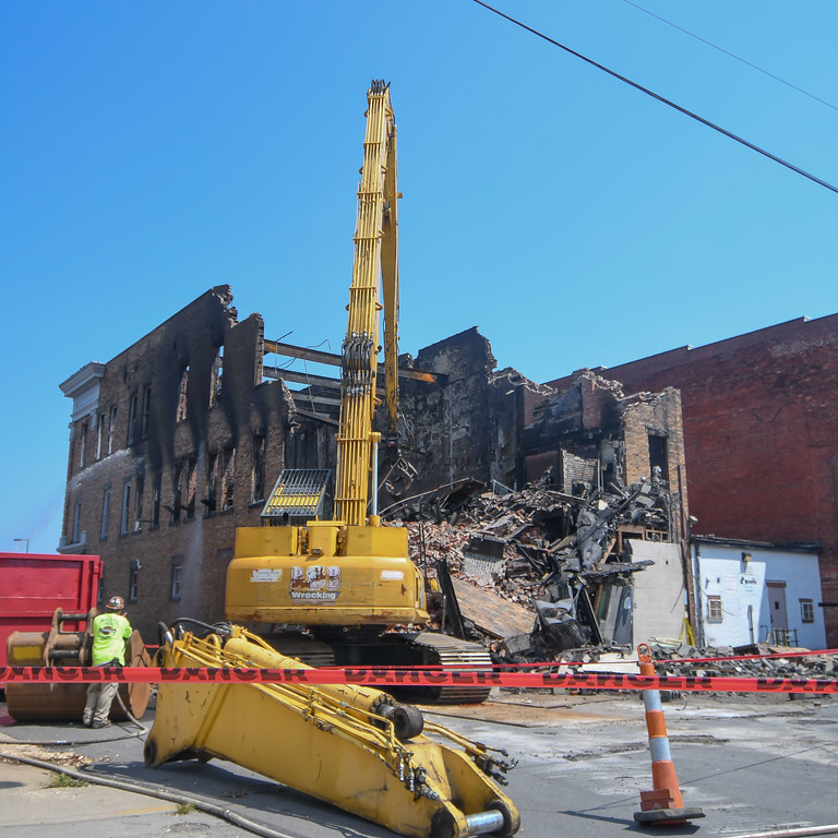 . Eric Bonzar�The Morning Journal B & B Wrecking begins the demolition of the Thistle building at 700 Broadway Ave., Aug. 15, 2017.