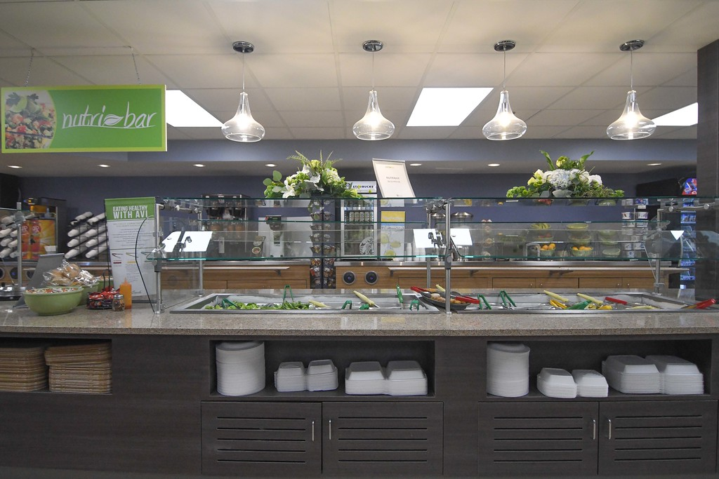 . Eric Bonzar�The Morning Journal<br> The fresh salad bar in the CommStar Bistro.