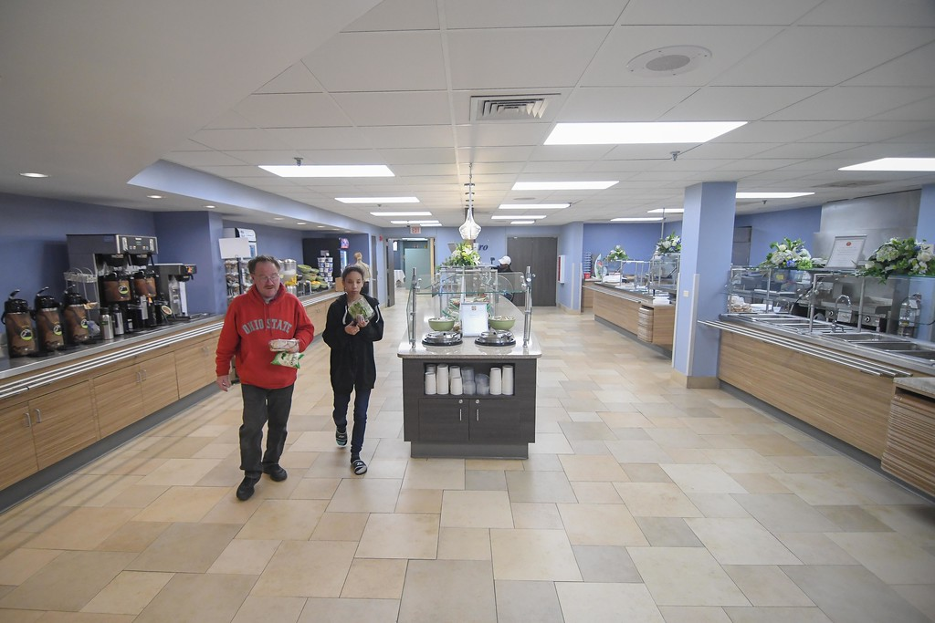 . Eric Bonzar�The Morning Journal<br> Patrons shop the newly renovated CommStar Bistro, at Mercy Health, in Lorain, Nov. 14, 2017.