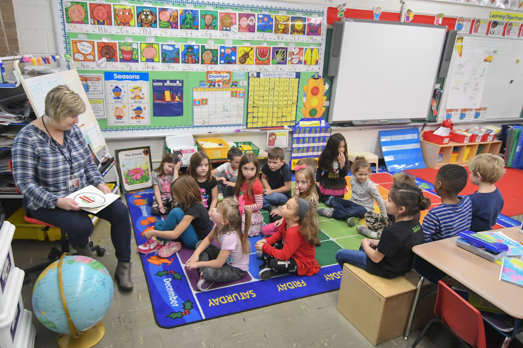 . Eric Bonzar�The Morning Journal<br> Westwood Elementary School Teacher Jill Stone teaches her class about Christmas in Brazil, Dec. 4, 2017.  The Wellington kindergartners are traveling the world for the holidays, as they spend the month of December learning about holiday traditions in countries across the globe.