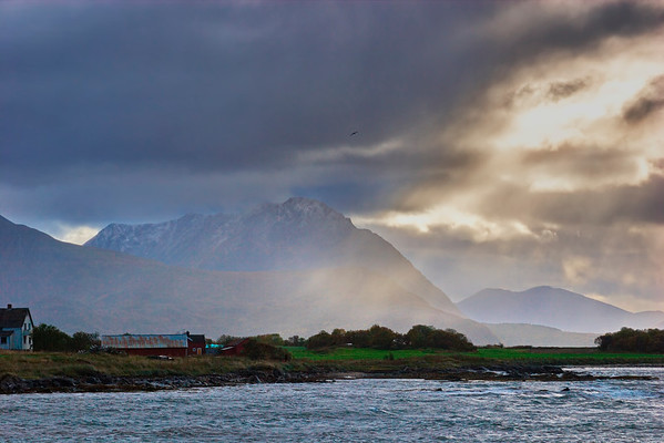 Rain showers and sunshine at the coast in northern Norway