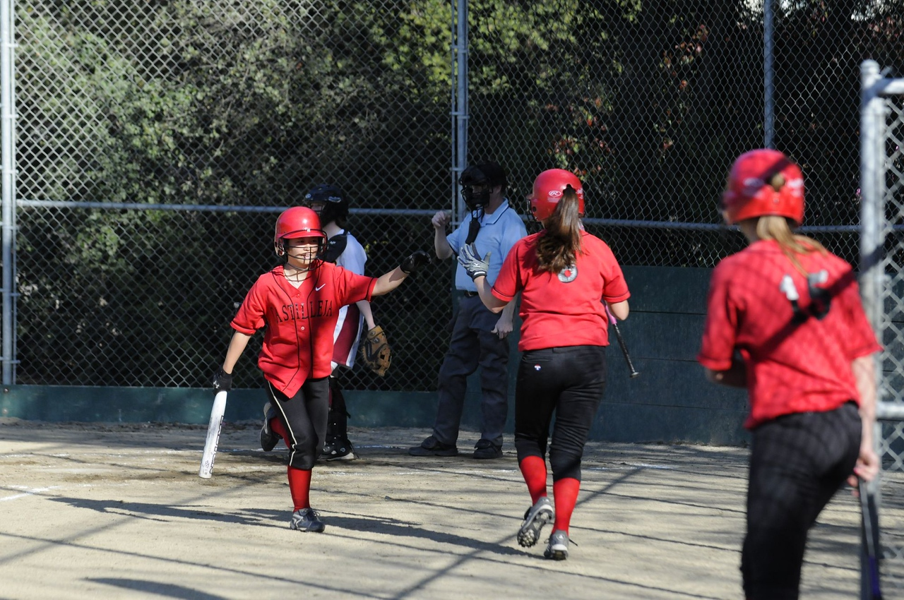 Castilleja Softball 1/ 4000s, at f/4 || E.Comp:0 || 125mm || WB: AUTO 0. || ISO: 800 || Tone:  || Sharp:  || Camera: NIKON D300on: 2009:03:19 16:49:51