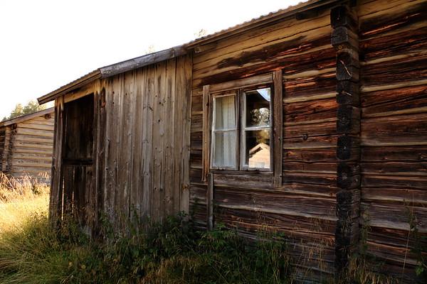 Österfannbybodarna -  Window in a log cabin