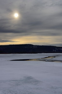 Agnsjön på vårvintern -  Cracked ice is covering a lake