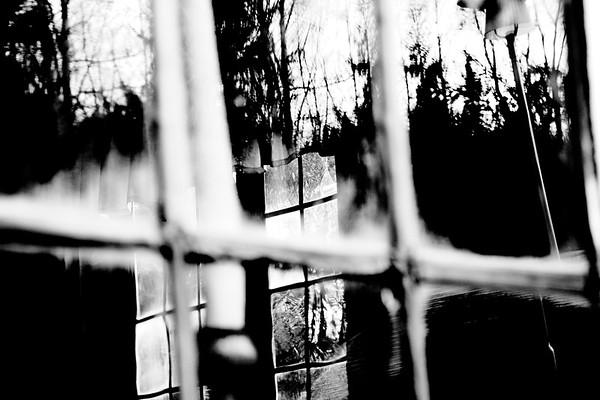 Window to an old Swedish farm house  - Hus detalj på Norra Berget i Sundsvall