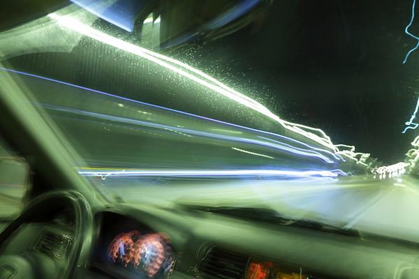 Nattlig bilfärd i Sundsvall -  Driving on an icy street
