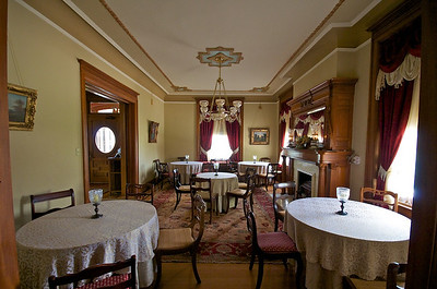 Wiedemann Hill Mansion - parlor