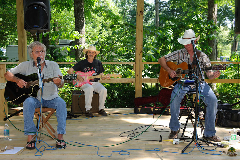 DSC 0158   Don Underwood (left)    Dana McReynolds (center)  Doug Rees (right)