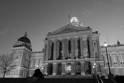 B&W Iowa State Capitol