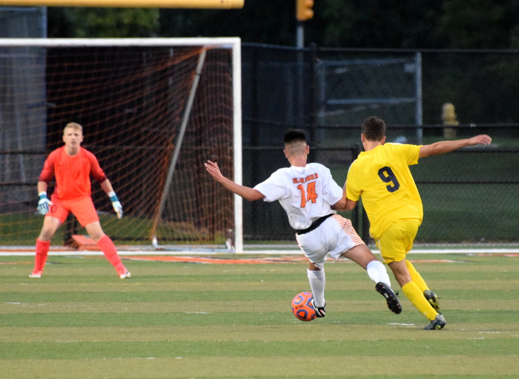 . Crestwood and host Dearborn High played to a 2-2 tie on Monday night. Photo by Frank Wladyslawski