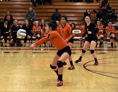 HS Sports  District Volleyball Dearborn High and Crestwood Round 1