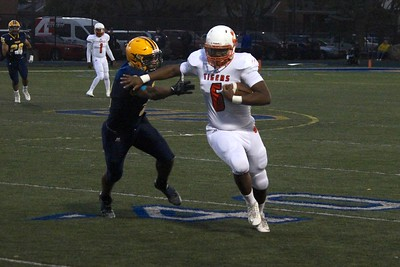 Fordson hosted Belleville on Friday night and fell 35-7 in the battle of previously undefeated teams. Photo by Ricky Lindsay - For the Press & Guide