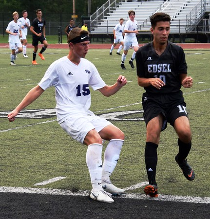 HS Sports - Woodhaven at Edsel Ford Boys' Soccer