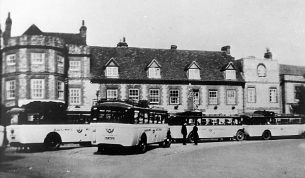 <font size=3><u> - Black & White Buses -  </u></font> (BS0042)