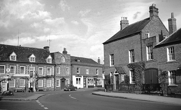 "<center><font size=3><u> - Castle Square c1960 - </u></font> (BS0589)  The ""Lane"" house (right) in Castle Square.  </center>"