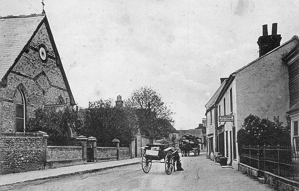 <font size=3><u> - High Street - </u></font> (BS0389)  </u></font>Pony & Trap outside The Free Church which opened in 1879 and closed in 2009. The date of the picture is unclear, but we do have confirmation that it was sent as a postcard in September 1921 -