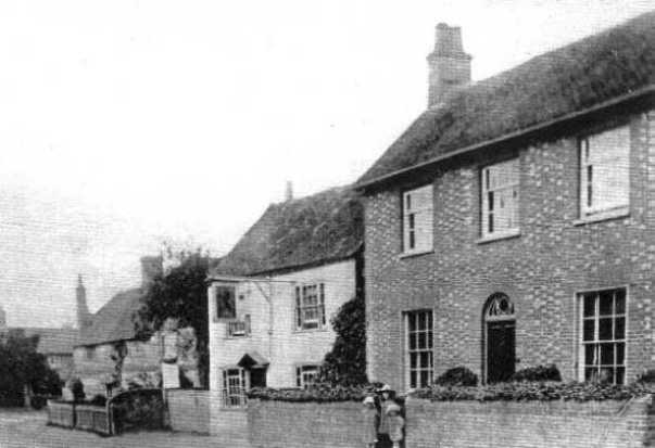 <font size=3><u> - High Street -  </u></font> (BS0079) High Street with Red Lion and three children in house entrance