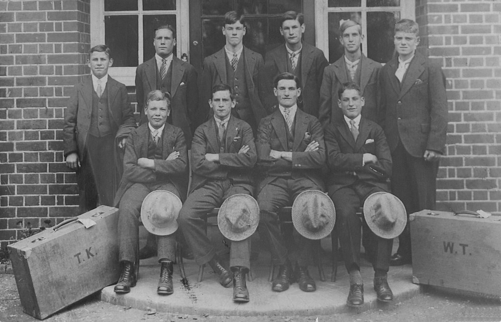 <font size=3><u> - Turner's Court - 1929 </u></font> (BS1315)  Ten boys preparing to leave for Australia.  Third from the left in the top row is George Leonard Bracey.  Many thanks to his daughter, Lenore Bracey, who supplied this photo.  See below for more info.