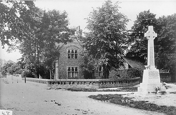 <font size=3><u> - War Memorial - 1920/1925 - </u></font> (BS0056)