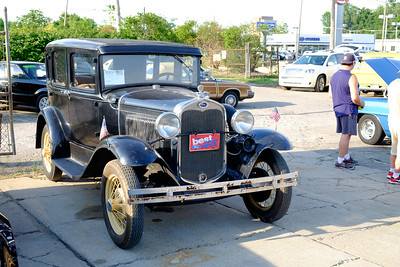 Car enthusiasts from all over lined Telegraph, from Taylor to Redford Saturday for the annual Telegraph Cruise. Photos by Matt Thompson, Copyright 2016 The News-Herald and Press & Guide