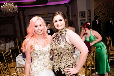 Woodhaven High School held their 2017 Prom at The Bentley in Wyandotte Thursday night. Photos by Matt Thompson for The News-Herald