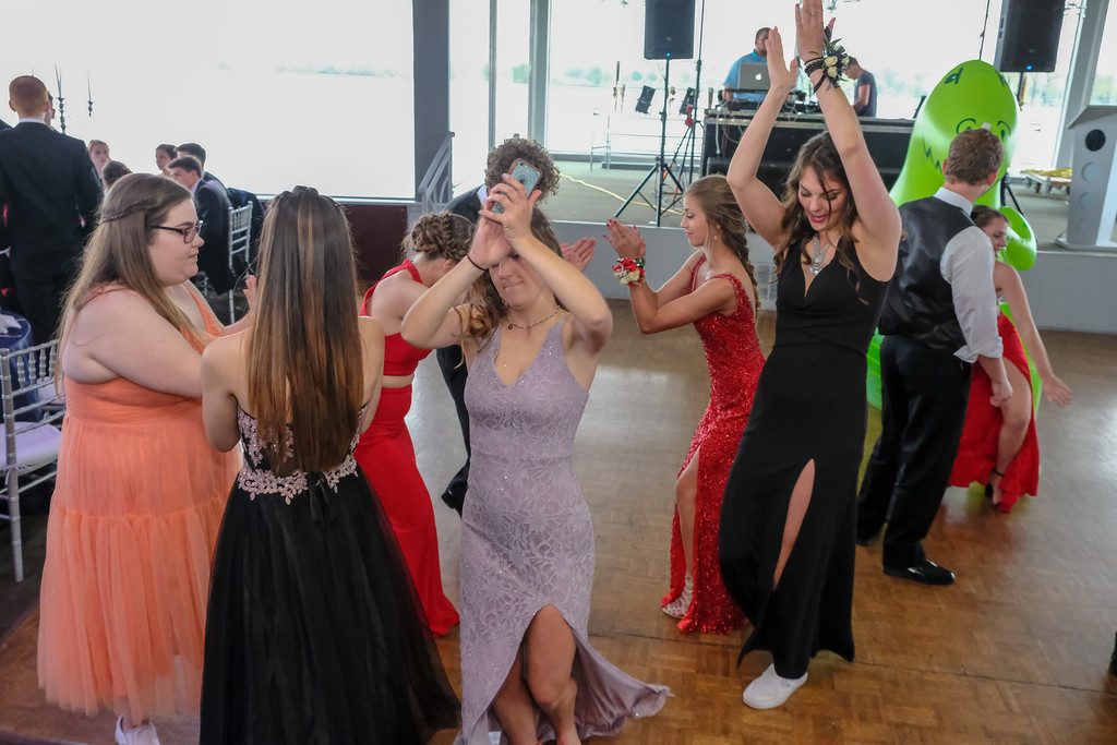 . Grosse Ile High School held their 2018 Prom on Saturday night at The Roostertail in Detroit. Photos by Matthew Thompson for The News-Herald