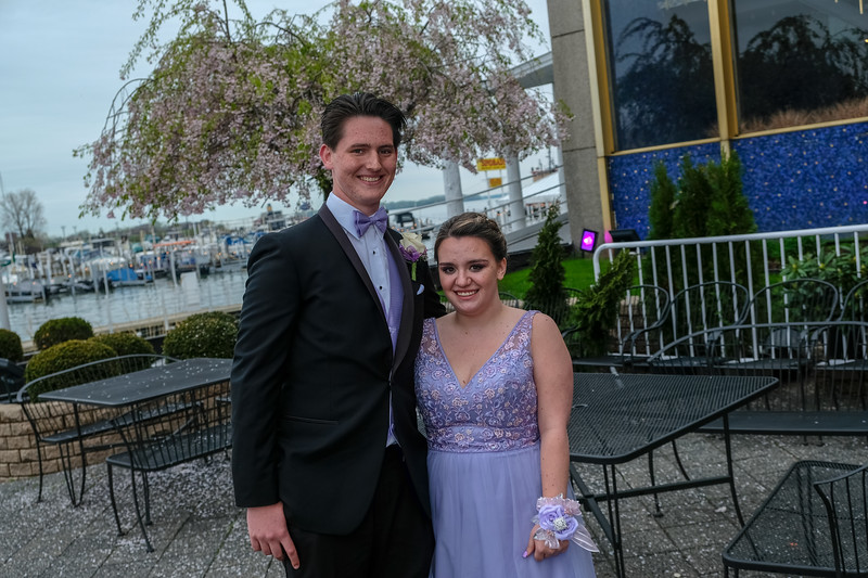 Grosse Ile High School held their 2018 Prom on Saturday night at The Roostertail in Detroit. Photos by Matthew Thompson for The News-Herald