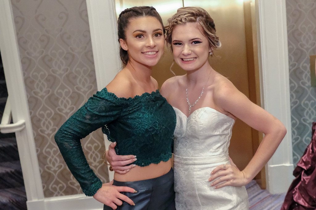 . Ready to dance the night away in style were Sydney Colon (left) and Kara Jones. Southgate Anderson held their 2018 Prom Friday night at the Dearborn Inn. Photos by Matthew Thompson for The News-Herald