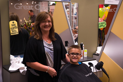 Great Clips opened its 4,000th salon Tuesday, becoming part of the offerings at the new Flat Rock Meijer store. Photo courtesy of Tammy Nienaber