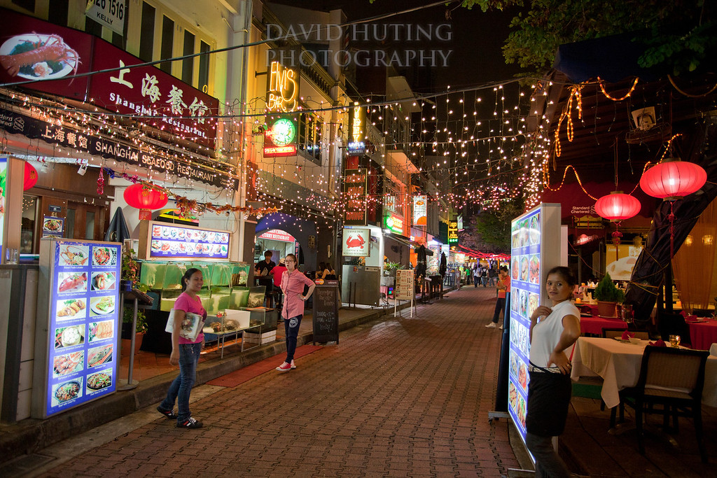 Boat Quay restaurants path