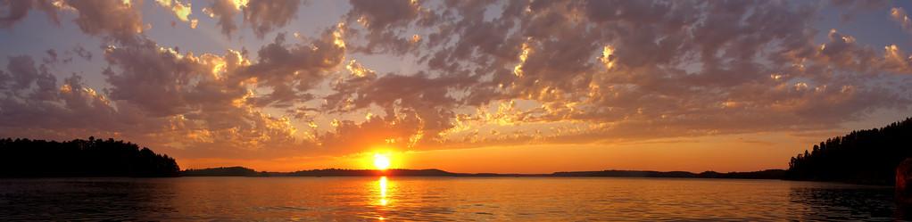 Crane Lake Panoramic Sunset<br /> (5 image stitch)