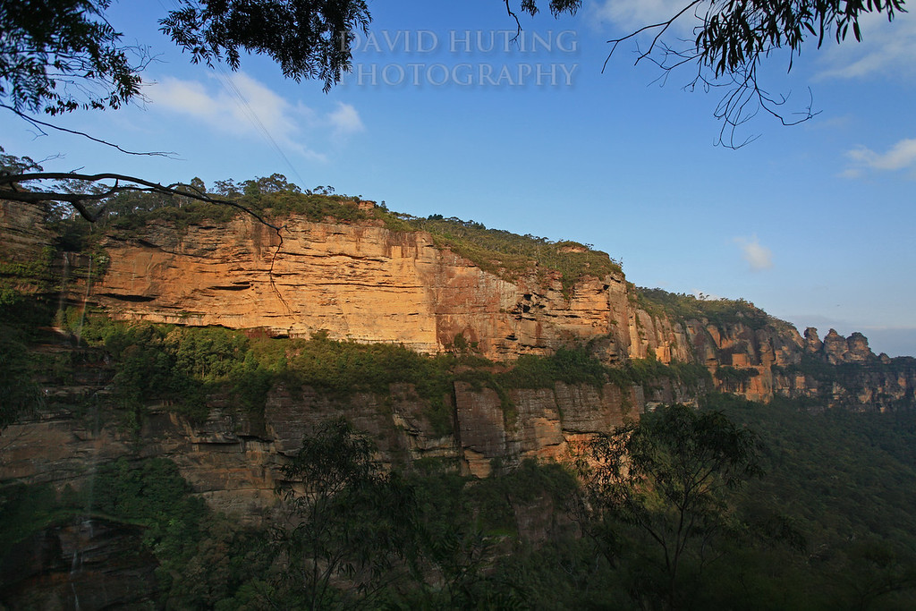 Katoomba Falls - Three Sisters View