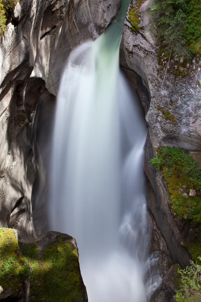 Maligne Canyon Massive Falls - Sunlight