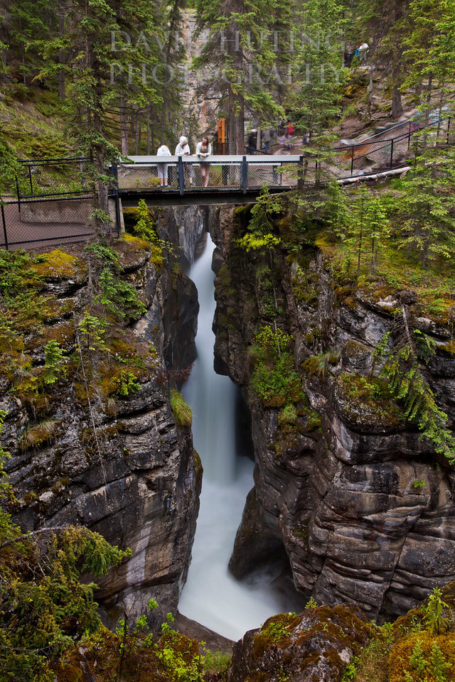 Maligne Canyon Crossing