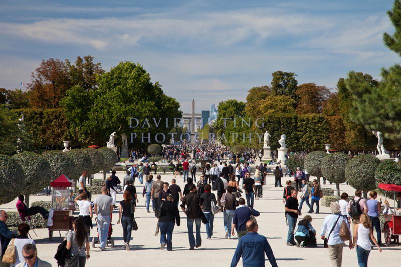 Champs-Élysées Path View