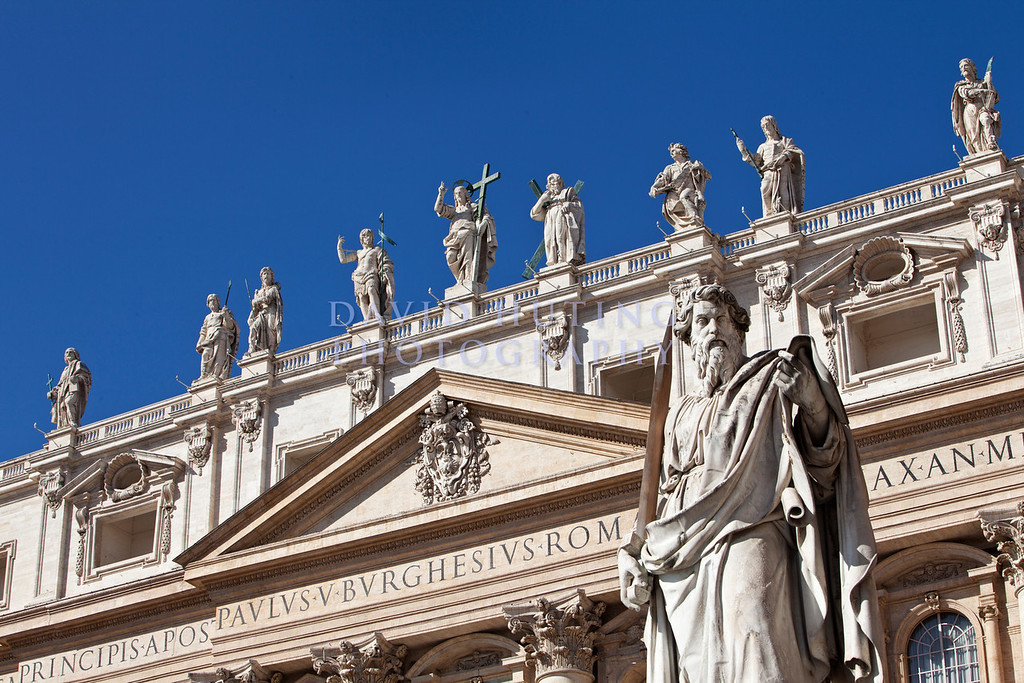 St Peters Statue 2