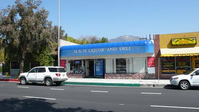 M&M Liquor Store - 04