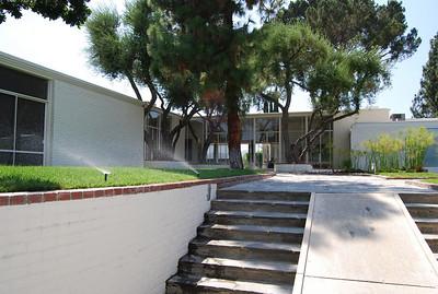 Sinatra House ( Fox Residence)