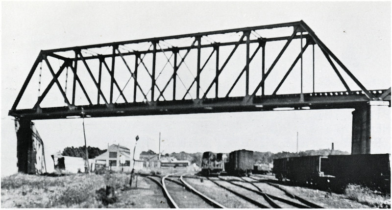 One span of bridge over Lehigh at Auburn. (Photo ID: 38280 a)