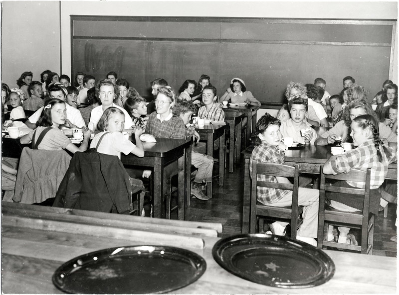 Children eating lunch in the King Ferry cafeteria. (Photo ID: 41364)