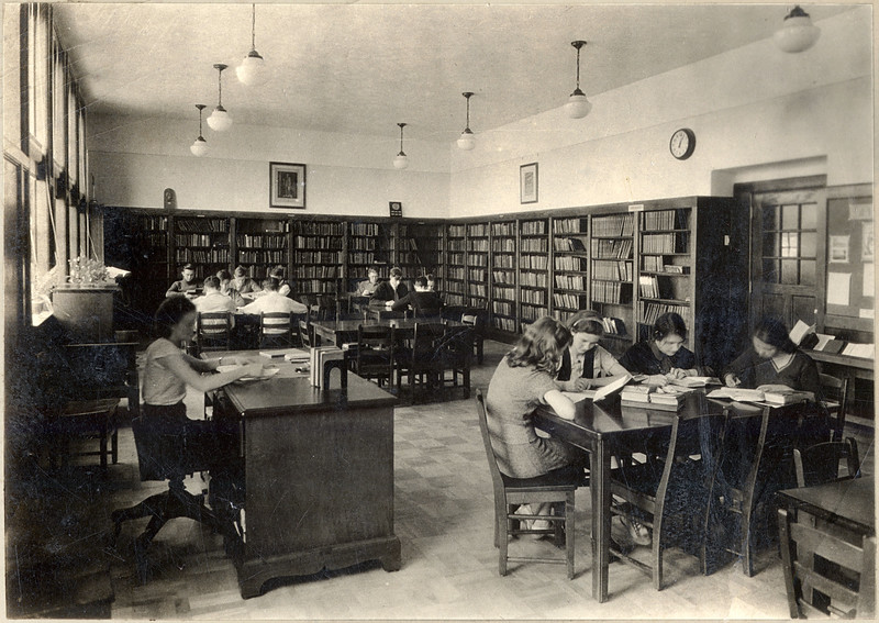King Ferry School library