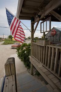 LA-2007-016: Cocodrie, Terrebonne Parish, LA, USA
