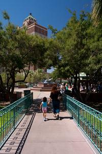 TX-2009-075: El Paso, El Paso County, TX, USA