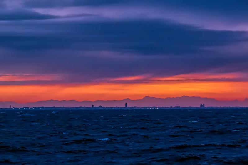 MS G25 02b Venice in pre-dawn silhouette - 2018 version